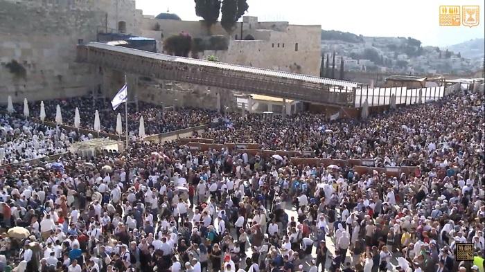 ברכת כוהנים של סוכות - שידור חי: עם ישראל חזר
