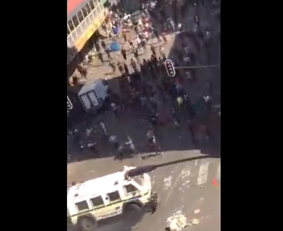עידן קורונה: דרום אפריקה המדינה הראשונה שגולשת לאנרכיה. ביזה ברחובות. צפו: