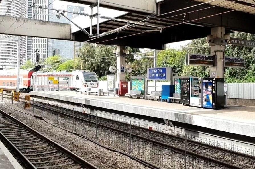 שי לחג: לראשונה, הרכבת החשמלית המהירה מירושלים - מגיעה לתחנות חדשות בתל אביב. צפו: