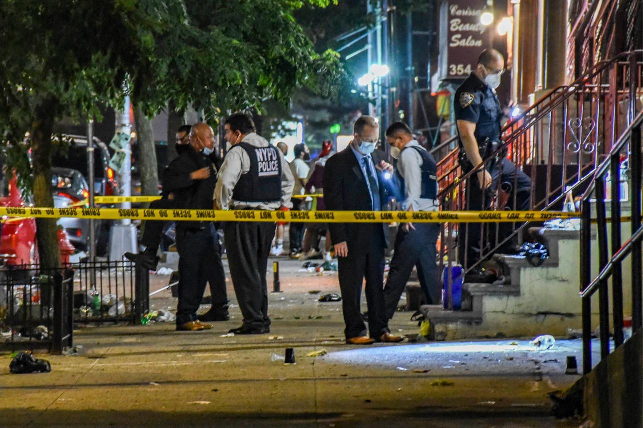 משטרת ניו יורק ננטשת, העיר חוזרת לשנים האפלות. מה קורה שם?