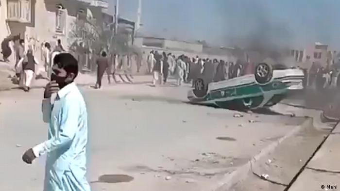 התקוממות נגד המשטר האיראני בחבל בלוצ'יסטן, משמרות המהפכה פתחו באש חייה. צפו: